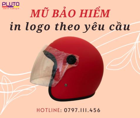 Đặt mũ bảo hiểm theo yêu cầu Pluto